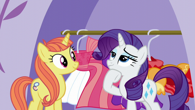 File:Rarity deep in thought S5E14.png