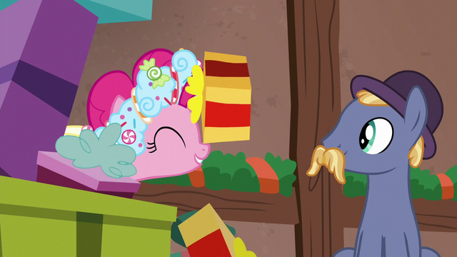 File:Stallion passes gift along to Spirit of HW Presents S6E8.png