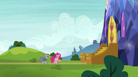 "Pinkie Pie ""thought somepony was gonna come"" S7E4"