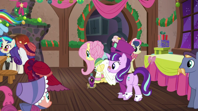 File:Snowdash goes off of screen S06E08.png