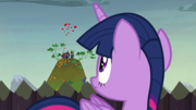 Twilight sees tomatoes incoming S5E23