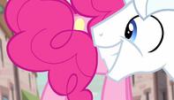Pinkie Pie hides her cutie mark S5E1