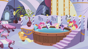 Pinkie Pie hot tub spa S1E09.png