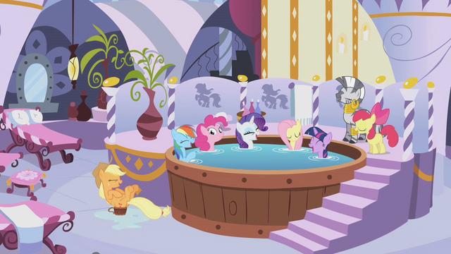 ファイル:Pinkie Pie hot tub spa S1E09.png