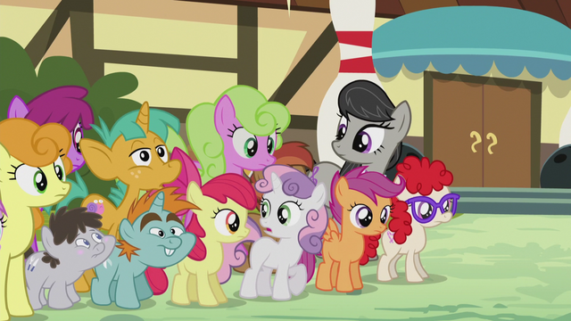"File:Sweetie Belle ""it'll all be cleared up in half an hour"" S5E9.png"