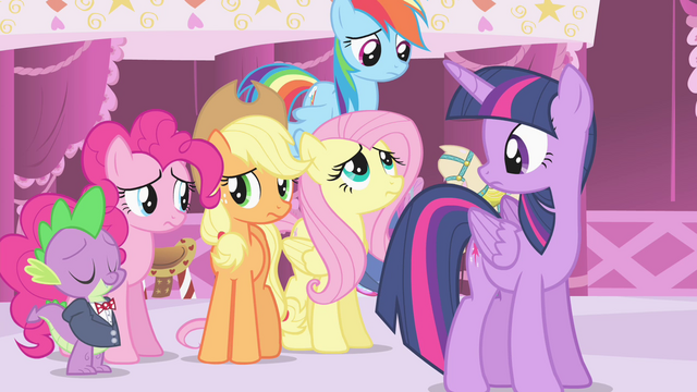 File:Rarity's friends worried S4E13.png