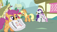 Scootaloo with a newspaper S2E23