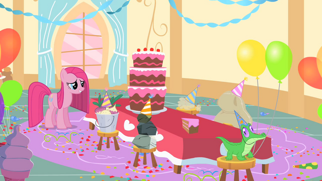 File:Pinkie Pie and her imaginary friends S1E25.png