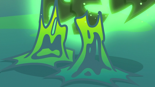 File:Changeling slime melting off of Thorax's hooves S6E26.png