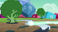 River magically freezes over with ice S6E17