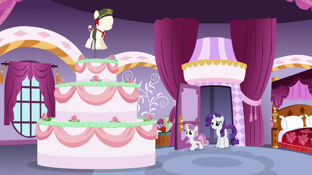 File:Rarity and Sweetie Belle find a giant cake S6E15.png