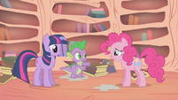 "Spike ""say it, don't spray it, Pinkie"" S01E09"