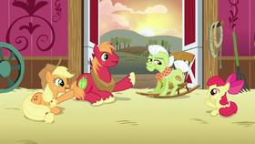 AJ, Apple Bloom, and Big Mac point at Granny S6E23