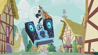 "Octavia and DJ Pon-3 ""jump the shark"" S5E9"
