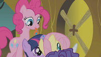 Twilight and friends hiding from Zecora S1E09