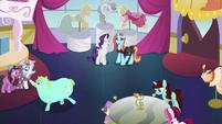 Canterlot Carousel final episode shot S5E14