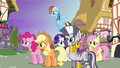 Ponies confused at Twilight S4E02.png