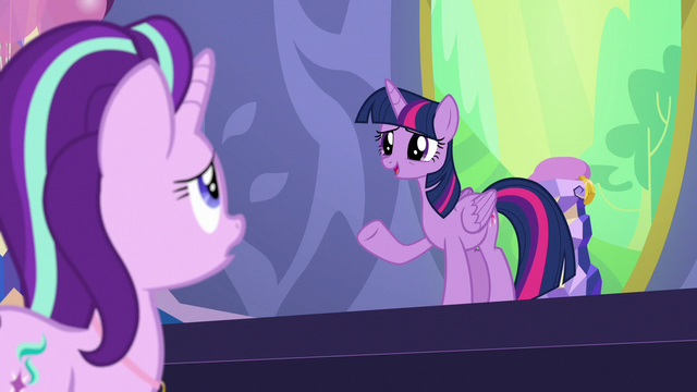 "File:Twilight ""your future's in your own hooves"" S7E1.png"