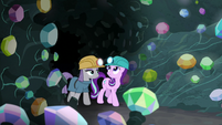 Maud and Starlight enter the gem cave S7E4