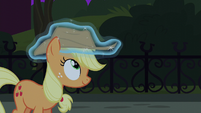Rarity places new hat on Applejack's head S5E16