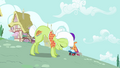 Granny Smith changing posture S3E6.png