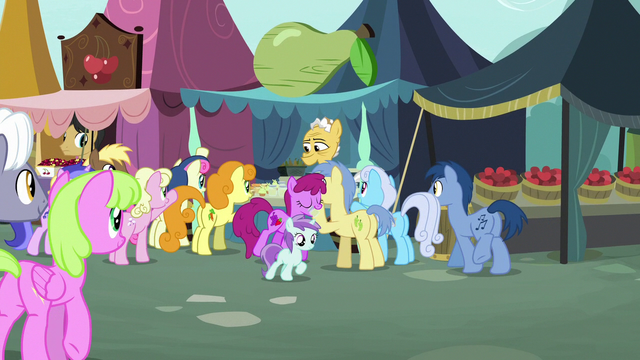File:Ponies gather in front of Grand Pear's jam stand S7E13.png