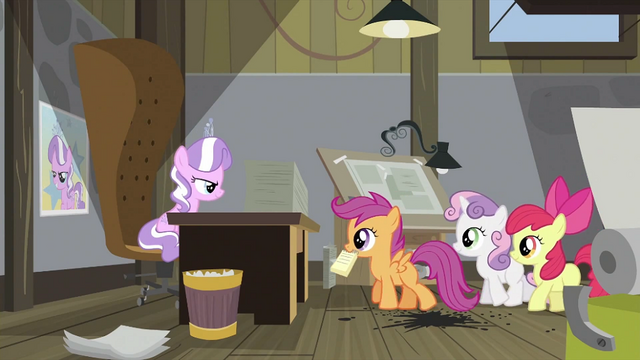 File:Scootaloo about to give notebook S2E23.png
