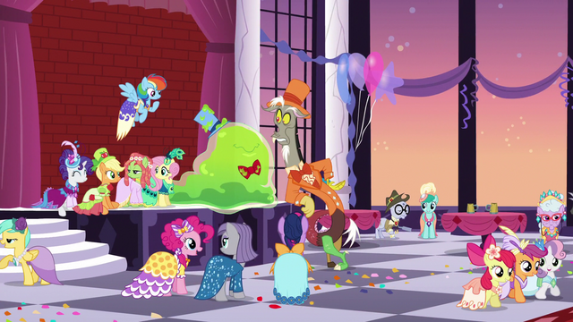 File:Grand Galloping Gala aftermath S5E7.png