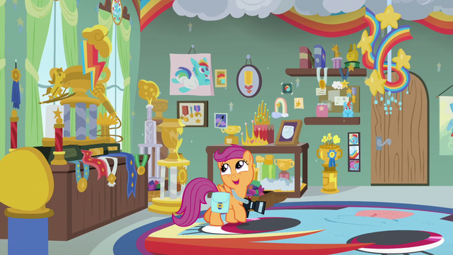 "File:Scootaloo ""where's all the stuff about"" S7E7.png"