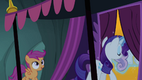 Scootaloo talking to Rarity S3E06