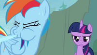 Rainbow spits out water S4E10