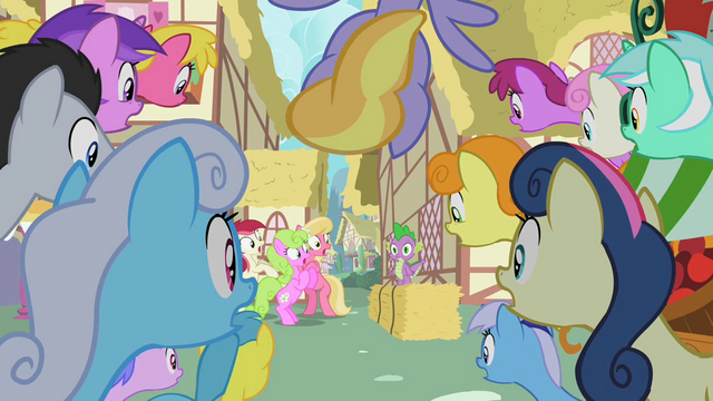 File:Crowd got the cutie pox panic S2E06.png