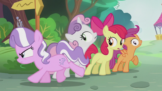 File:Diamond gallops past the Crusaders S5E18.png