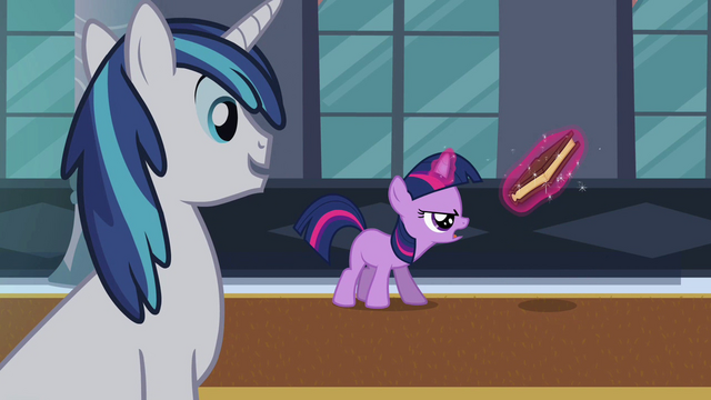File:Filly Twilight practicing magic S02E25.png