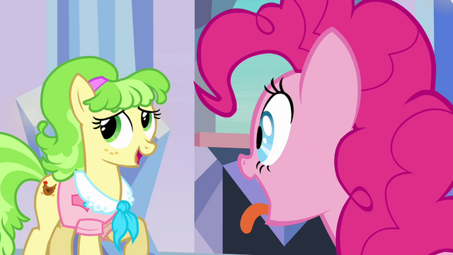 File:Ms. Peachbottom feeling awkward S03E12.png