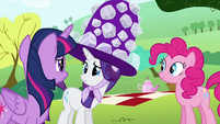 Twilight and Rarity confused S4E18