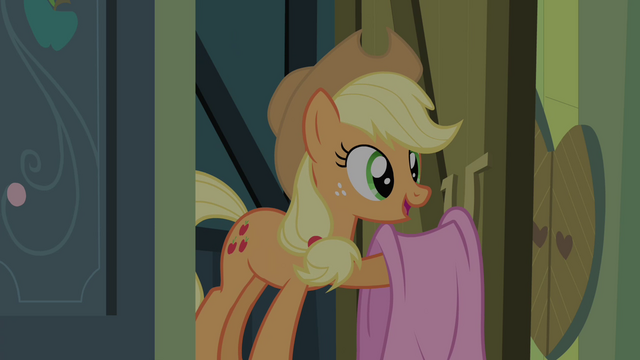 File:Applejack with a blanket S4E17.png