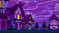 Magic threads stretch over Ponyville S5E13