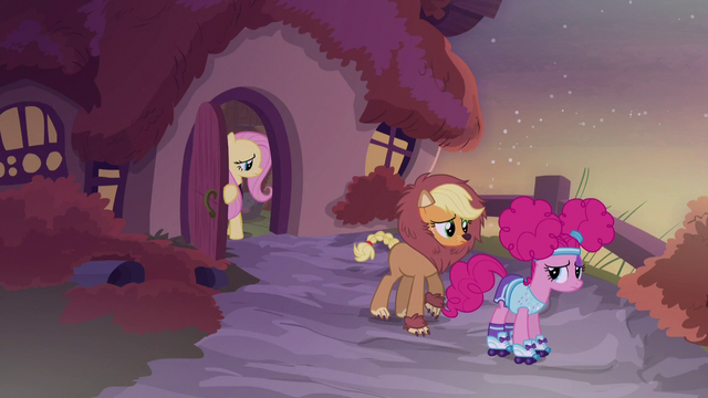 File:Fluttershy closes her door in shame S5E21.png