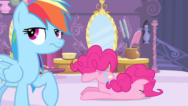 File:Pinkie Pie faceplant S4E13.png