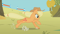 Applejack long jump S01E13
