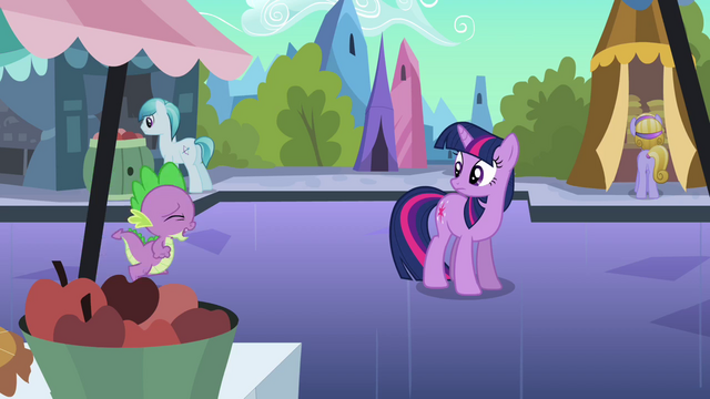 File:Spike running up to Twilight S3E2.png