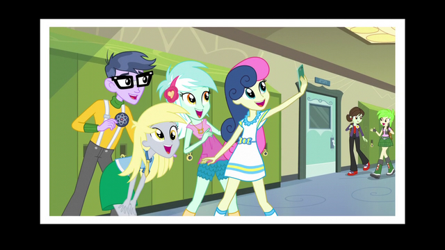 File:Sweetie Drops takes a selfie with Lyra, Derpy and Micro Chips EG3.png
