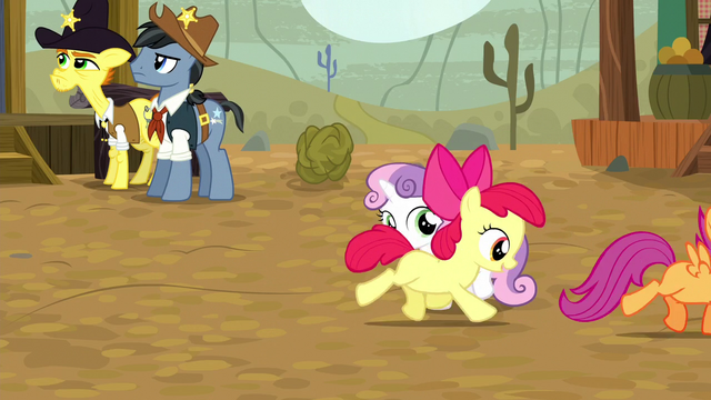 File:Apple Bloom and Scootaloo gallop away S5E6.png