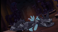 Pony armor crashes on Rainbow Dash S4E03