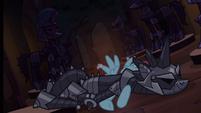 Pony armor crashes on Rainbow Dash S4E03