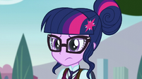Sci-Twi giving a look EG3