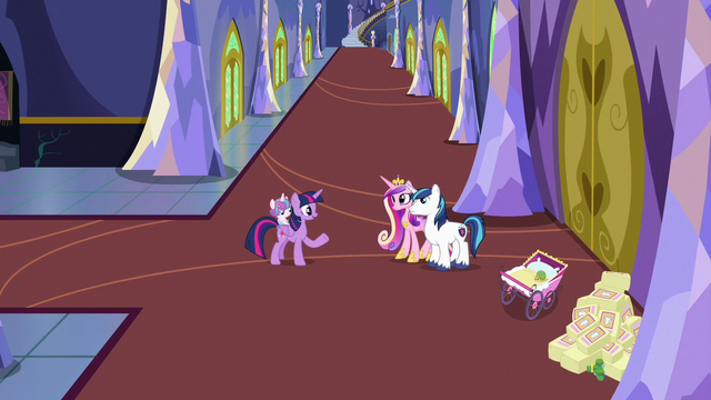 File:Twilight shares her lesson with Shining and Cadance S7E3.png