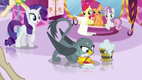 Gabby scrubbing Rarity's boutique floor S6E19