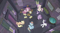 Twilight's friends wake up S5E02